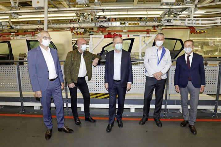 Újraindul a gyártás a Volkswagennél Wolfsburgban
